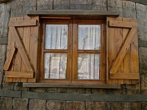 Paso a paso para la reparación de ventanas madera antigua